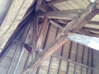Appentis vieux bois à Saint-Raphael (24160)