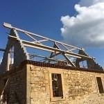 Maison d'habitation, charpente traditionnelle, panneaux sandwich à Anlhiac (24160)